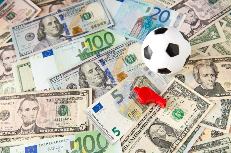 Kemudahan dan Keuntungan Bermain Judi Bola Online2